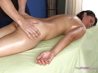 泰國女孩身體按摩和無鞍他媽的