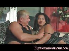 Velvets Swingers Club vere e proprie coppie mature amatoriali scambiano