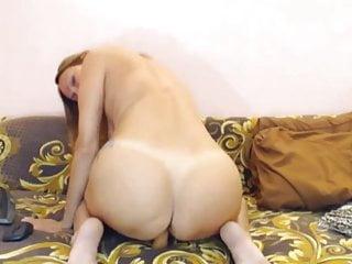 Russian Blonde Striptease video: LanettaLovely