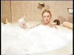Pamela Stephenson - Bathtime