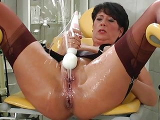 Stockings Milf Mature video: Mature in stockings squirts lots
