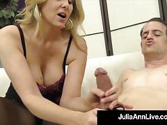 Oszałamiająca Blondynka Mamuśka Julia Ann Uderza Slave Cock Z Nogami!