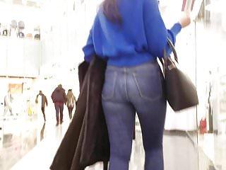 Brunettes Closeups Hidden Cams video: Hot round ass at the mall