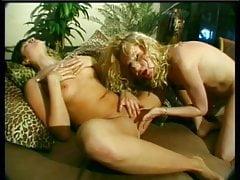 Puttane lesbiche bionde calde che mangiano figa
