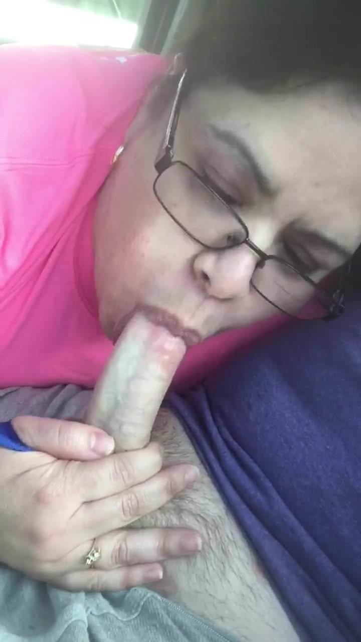 Sexy Amateur Blowjob Swallow