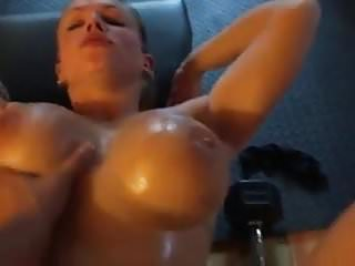 Extremely hot muscle woman her private gym...