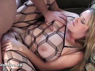 Big Tit Maggie Green viene scopata a rete