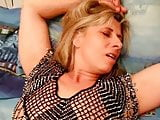 lesbo hot tub masterbating