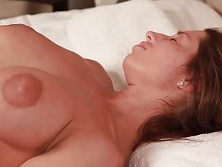 Juliet Ric MILF massaggio da figliastro