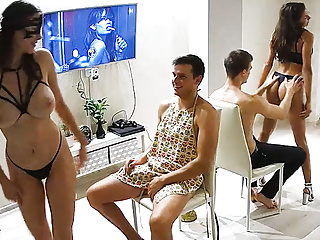 The Wonderful Striptease – Lingerie Babes & Bj Sex