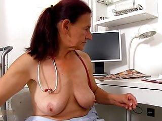 tlustá černá stará dáma porno zblízka oholené kundičky
