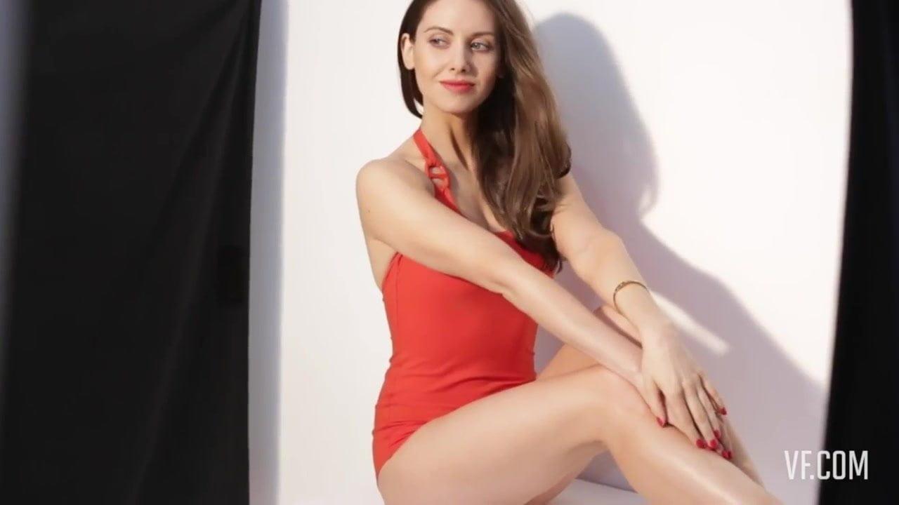 Alison Brie Nua alison brie boobs - spankbang.cc