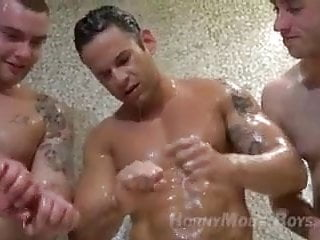 5 oiled muscle and jerk off...