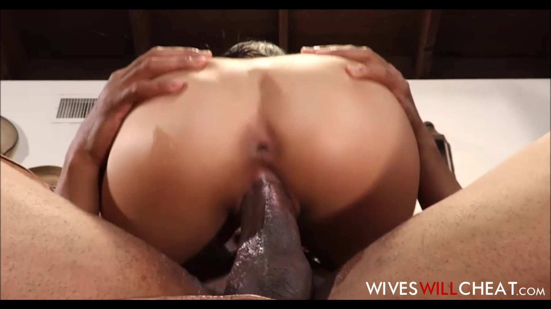 Mixed Guy Fucks White Girl