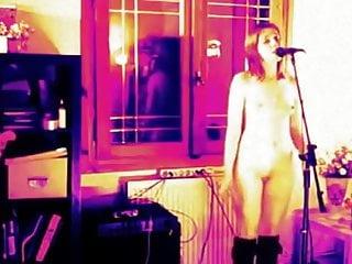 Teen Small Tits Lesbian vid: Naked girl singing