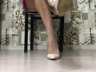 Mature sexy veiny high heel...