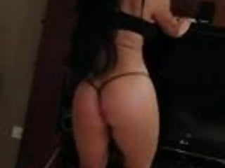 Very sexy dancer shows her talent...