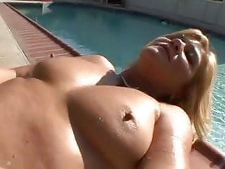 Dick Hungry MILF Ginger Lynn