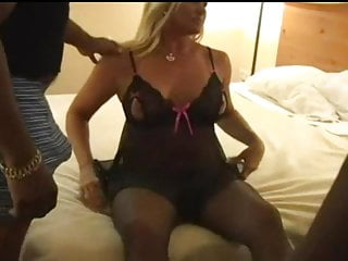 blonde mature gangbanged by 3 bbcsporno videos
