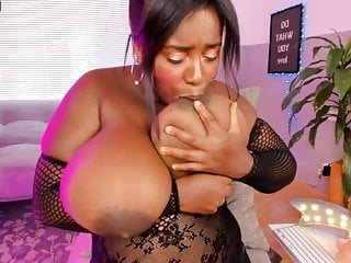 Dark skinned camgirl performs along with her tremendous boobd