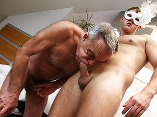 Nasty finishing up Gunther Old  Twink masked
