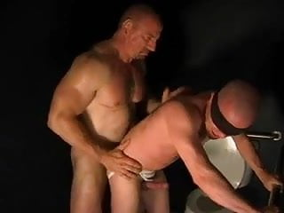 Big horny daddy uses blindfolded fucktoy in toilet cubicle