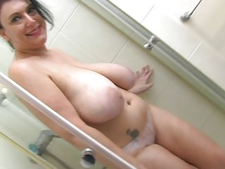 Sabrina Jade Wet Tits And Pussy Fun