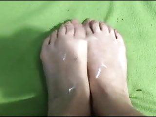 Nitsa's (fresh mannequin) creamy toes