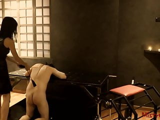 Mistress Whipping Slave video: Femdom Whipping her Sub in a Dungeon - Mistress Kym
