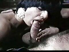 greek porn exi diestranmenes zitoun dolofono (1976)