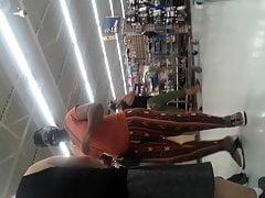 Big Jiggly booty ebony likes to be followed.