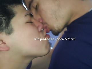Downey kissing video 3...