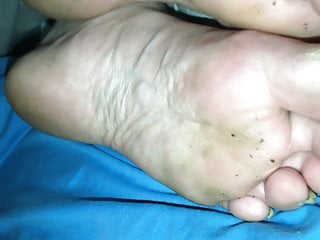 Amateur Milf, Dirty Feet, huge Cumshot