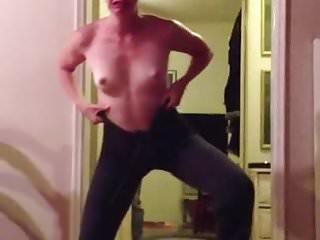 Alexa niklaus topless vid...