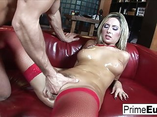 busty blonde daria glover gets properly fuckedHD Sex Videos