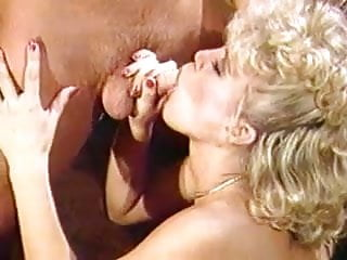 Amber Lynn Takes a Hot Load Over Her Mouth