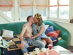 Berliner Daddy bumst seine Frau ins KOMA