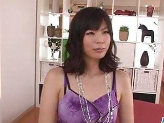崎青山熱媽媽需要一個很好的他媽的在三人行