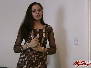 Jasmine shows her lovely naked boobs...