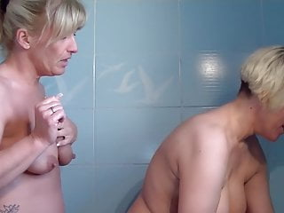 Mature lesbians fuck in shower