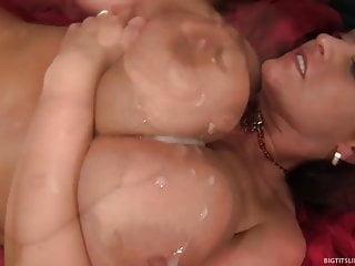 Super Hot Big Titty MILF viene scopata Hard