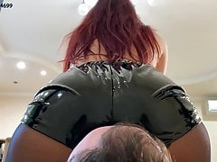 Facesitting Femdom With Tattooed Mistress Sofi Chewing Gum