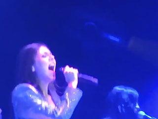 Victoria Justice- Gold Live