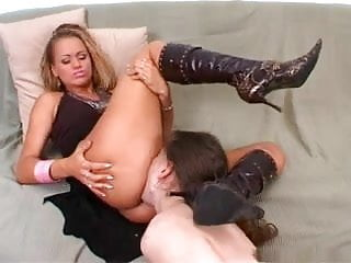 licking pussy blonde in boots