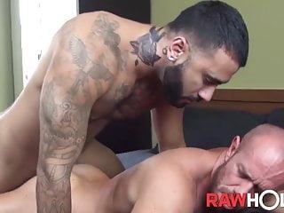 RAWHOLE Muscular Rikk York Fucks Raw After Swapping Head
