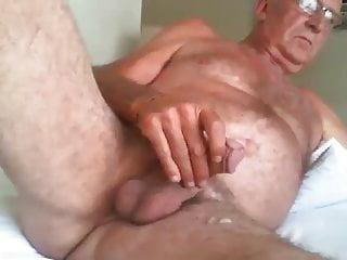 Old man wanking cam...