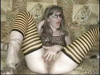Hot MILF fisting her pussy