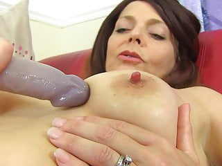 pussy feeding soaking mother Mature