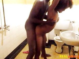 Black amateurs city toilet...