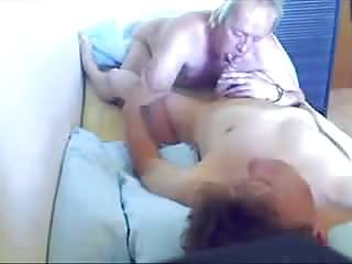 Old sucking a youg cock...
